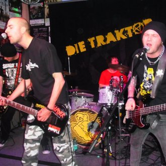 28.03.2013 Die Traktor plus Back With Darkness, Arrested Denial